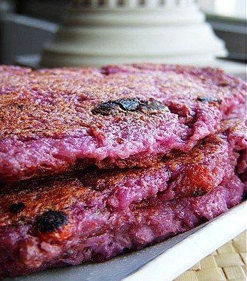南投人表示煎紅薯餅加麻油跟龍眼乾更好吃 圖片來源/Dcard