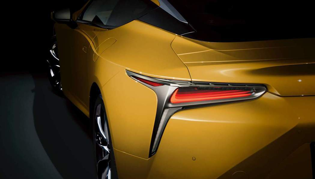 日規Lexus LC Luster Yellow Edition僅限量供應兩個月...