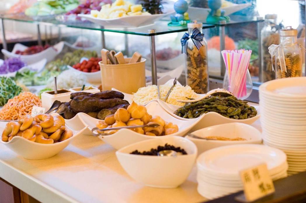 我家牛排的沙拉吧也受到網友稱讚。 圖片來源/我家牛排臉書