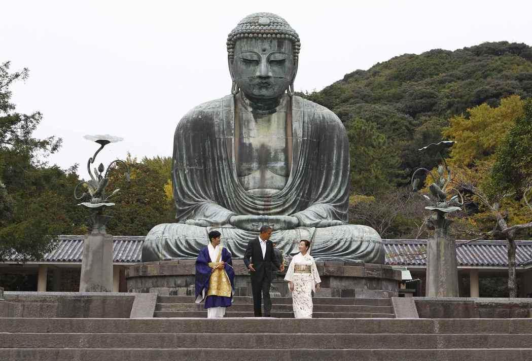雖然現在可能難以想像,但佛教在日本曾經興盛到幾乎把神道逼到無處可退——畢竟比起拜...