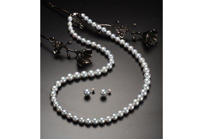 大方典雅的珍珠套組代表圓滿,並且有著其他寶石沒有的特殊氣質。(富格麗緻)