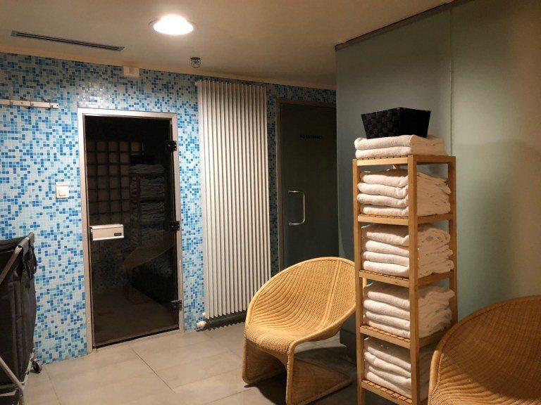 Hilton Brussels City 的三溫暖設施很豐富,有一般的烤箱、號稱...