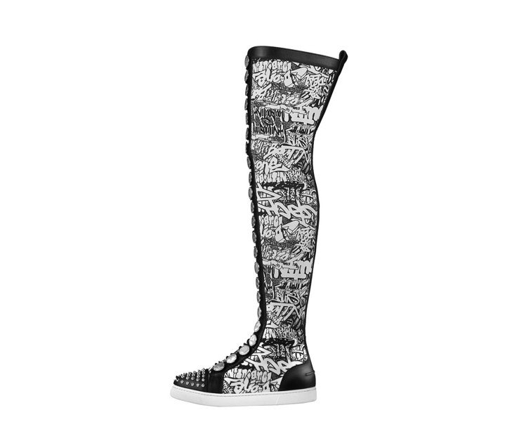 長筒運動鞋履是2019春夏相當搶眼的新品。圖/Chrisitan Loubout...