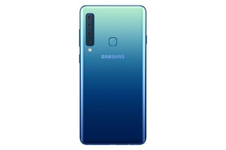 Samsung Galaxy A9擁有漸層色彩機身設計與後置4鏡頭。圖/三星提供