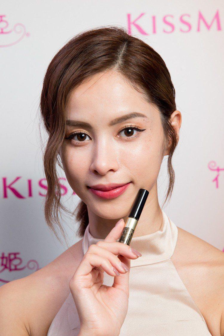 KISSME花漾美姬電眼閃閃晶鑽睫毛膏也可用於臉部彩妝局部打亮。圖/KISSME...