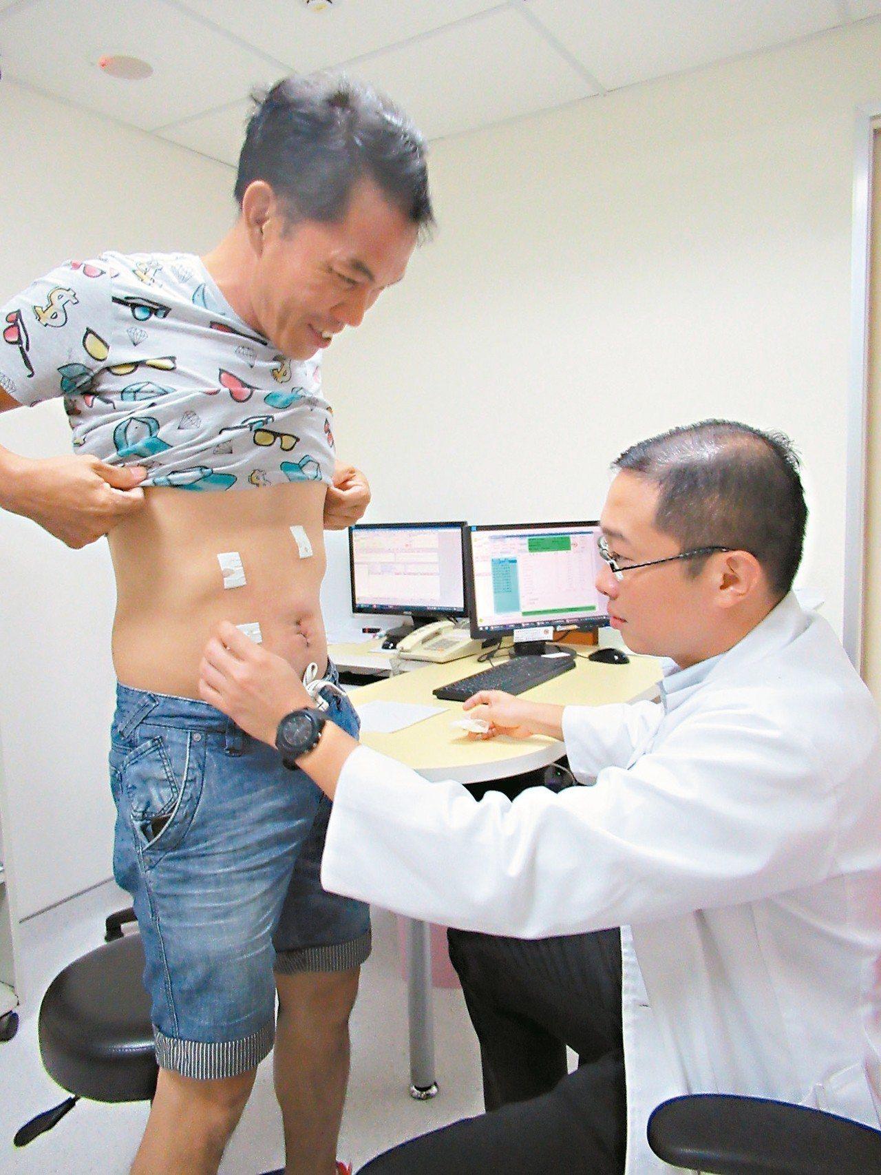 微創腹腔鏡手術僅四個小傷口,在門診就可護理。 圖/彰化秀傳醫院提供