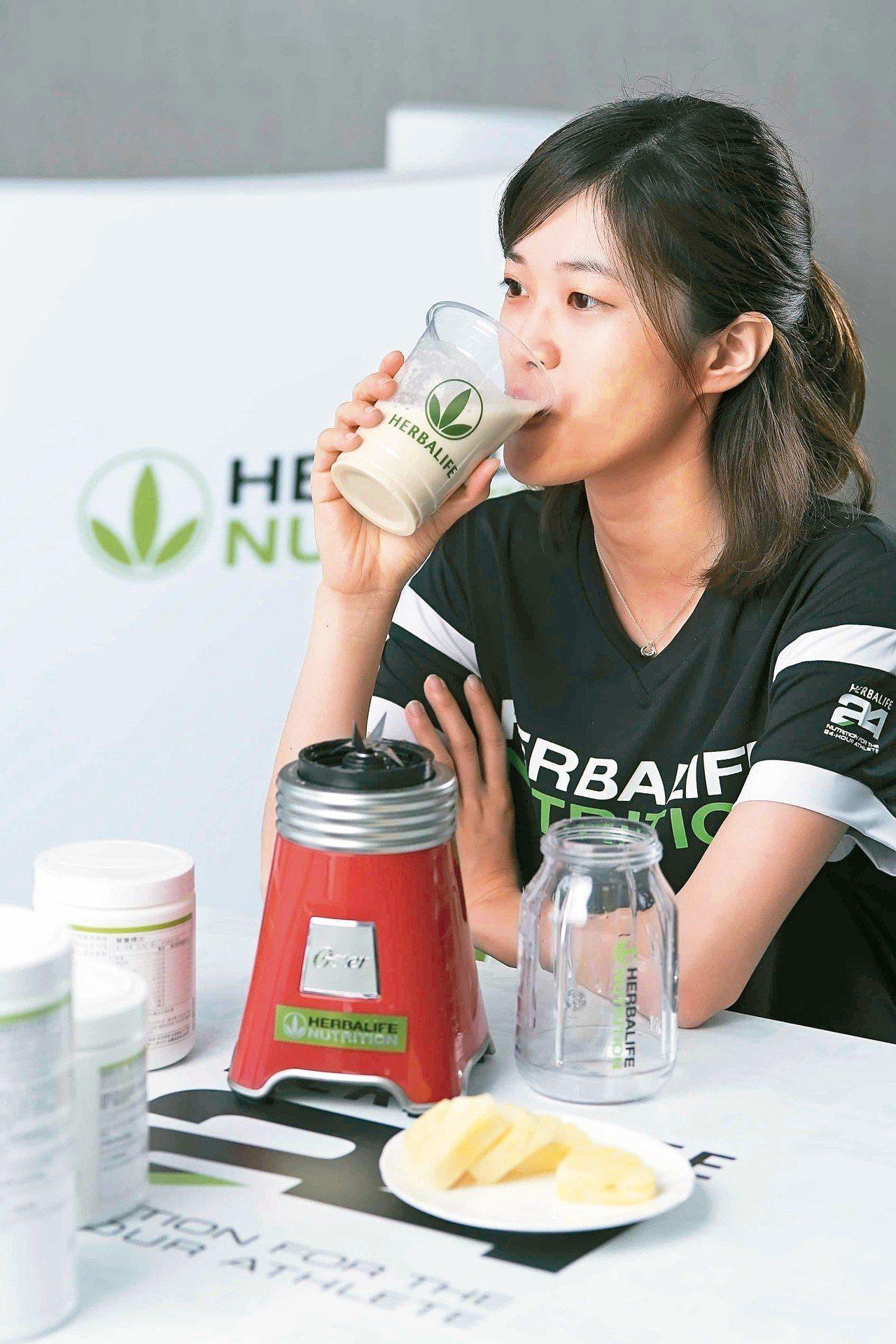 營養師建議,起床最好在1小時內吃完早餐,攝取優質來源蛋白質,如果沒時間,可以選擇...