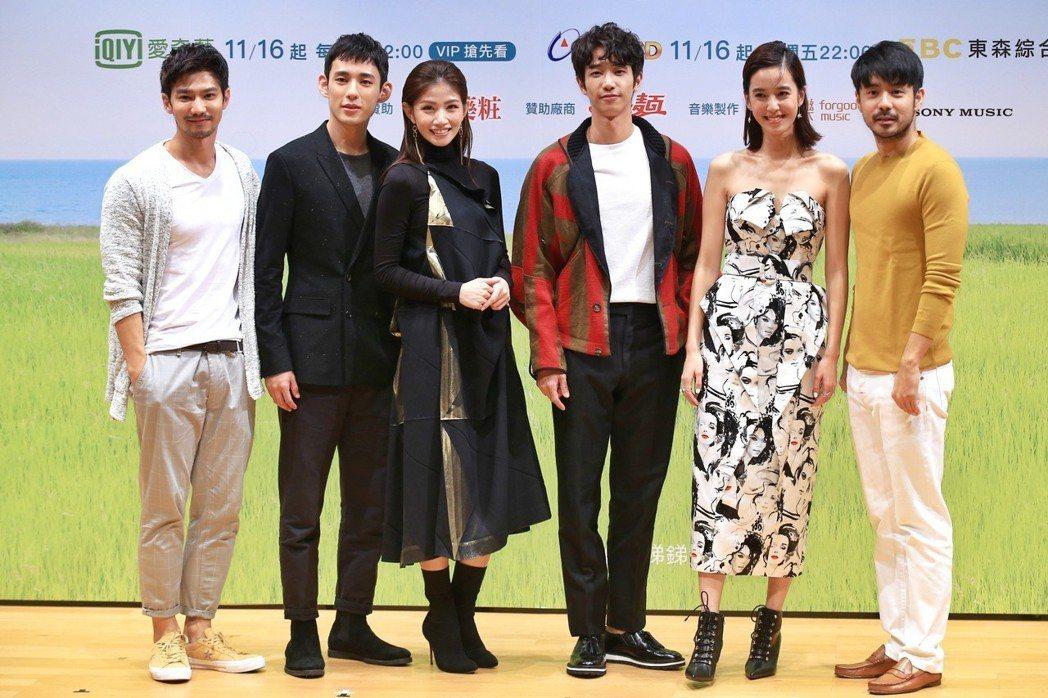 《種菜女神》首映發布會,主要演員劉以豪(右三)、陳庭妮(右二)、李千娜(左三)、...