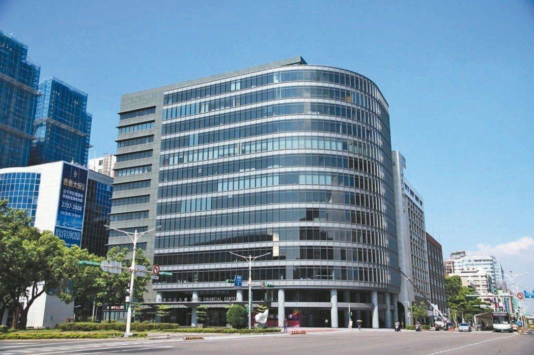 新壽以20.07億元標下台北金融中心部分樓層與33個車位,創壽險業今年獵樓最高價...