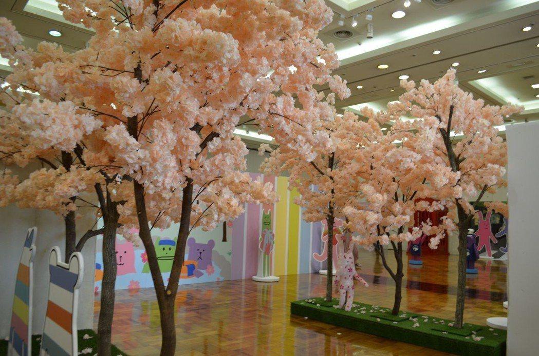 櫻花區充滿濃濃的日式浪漫。  陳慧明 攝影