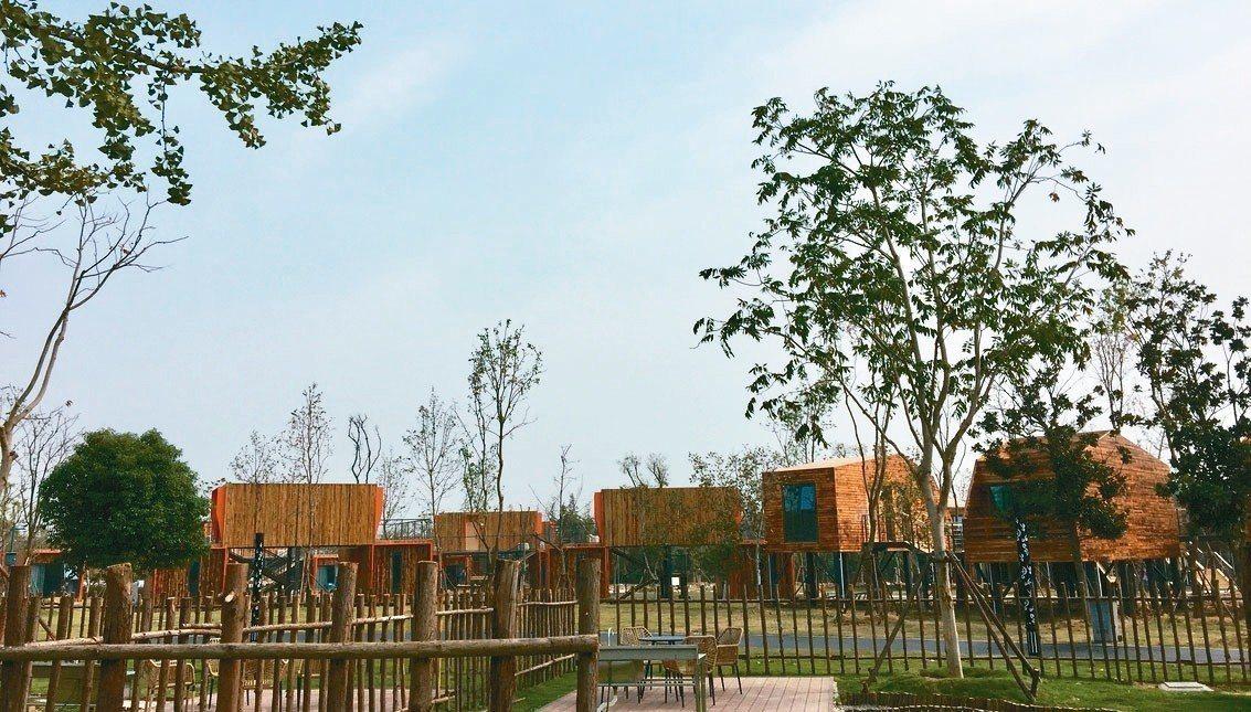 三台山森林公園的小木屋渡假區,造型別緻。 圖/本報宿遷傳真