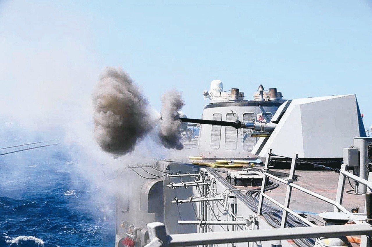 銘傳軍艦與逢甲軍艦完成76砲升級。 海軍司令部提供