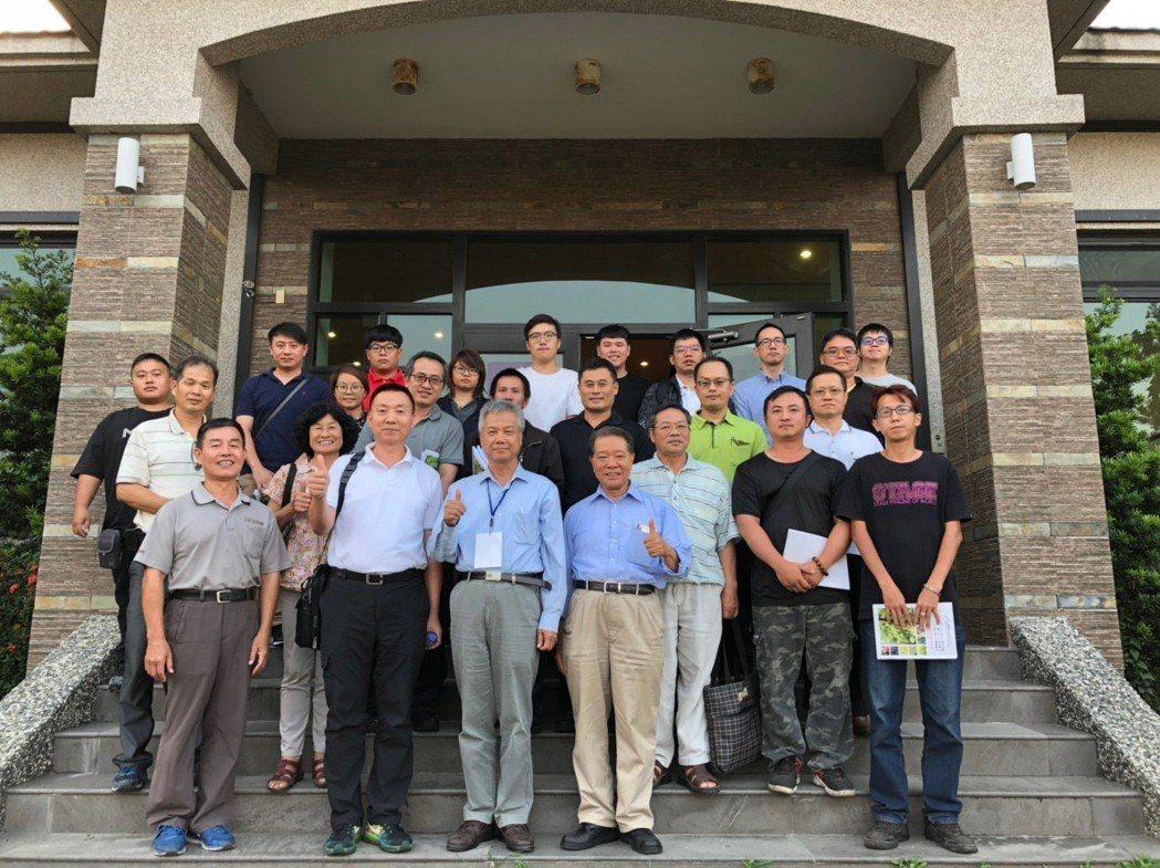大葉大學「製酒技術高階訓練班研習」,參觀萊嘉酒廠。 大葉大學/提供。