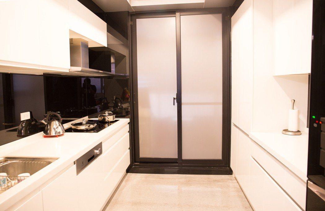 侯家廚房不熱,因為有裝冷氣。 攝影/張世雅