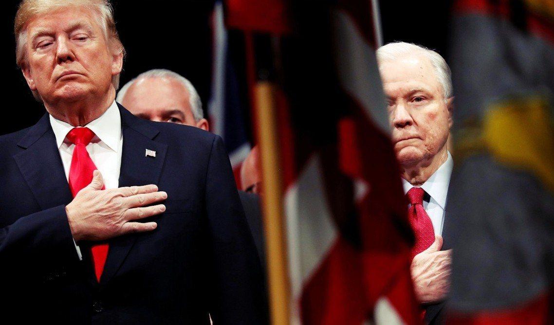 川普(左)與塞申斯(右)。 圖/路透社