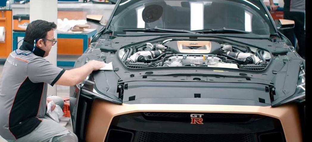 就連引擎內部飾板也都重新打造。 摘自Italdesign Official