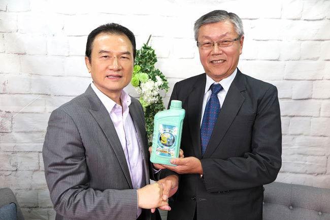 理財周刊發行人洪寶山(左)、吉廷邦(右)