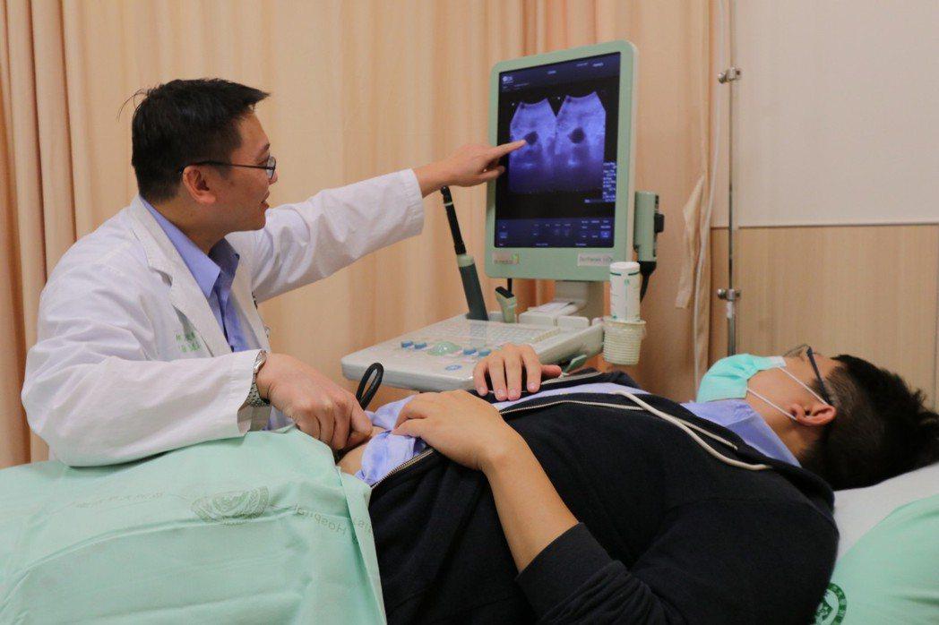 亞洲大學附屬醫院震波碎石室主任石欣衛指出,患者來就醫時,表達下腹部並無疼痛感,當...