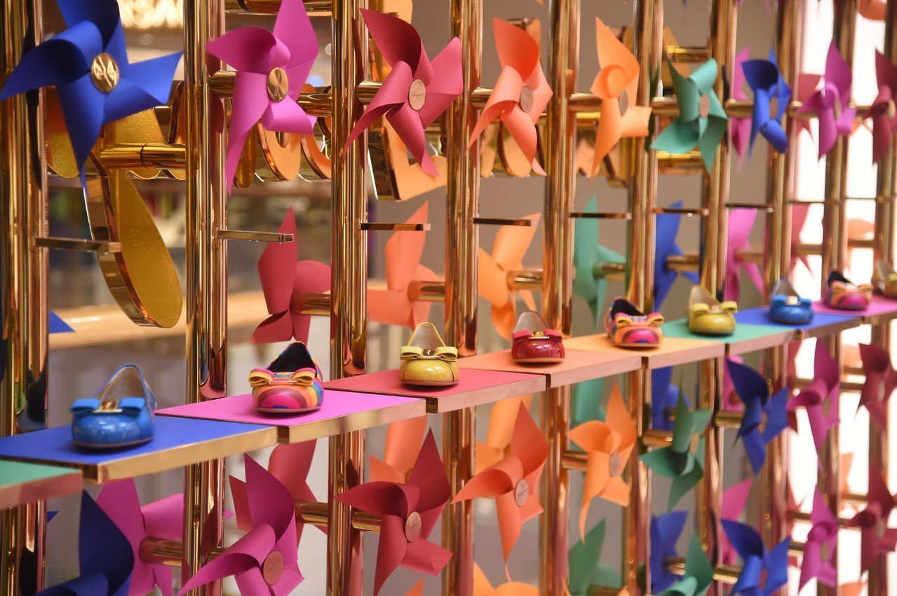 Ferragamo歡慶九月重新開幕的香港太古廣場專賣店,特別開設Pop-up S...