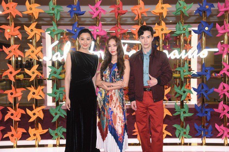 (左至右)陳法拉、Jessica鄭秀妍及王冠逸出席Ferragamo香港金鐘太古...