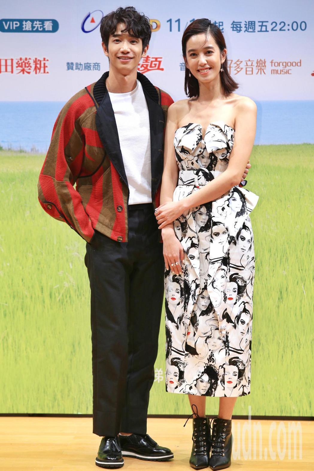 《種菜女神》下午舉行首映發布會,主要演員劉以豪(左)與陳庭妮(右)出席。記者林伯...