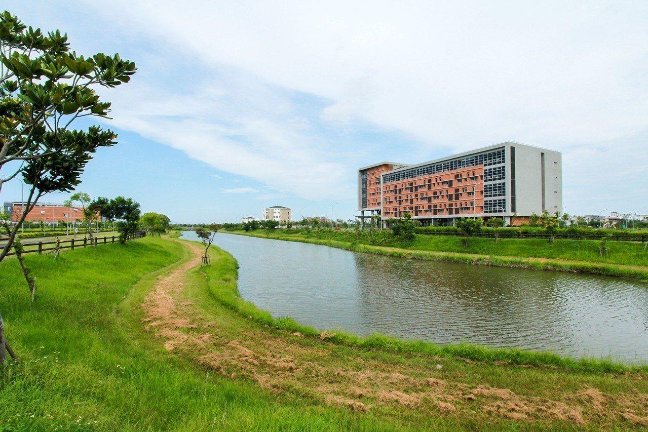 投資幸福,就從宜科開始。圖為宜蘭科學園區標準廠房。圖/竹科提供