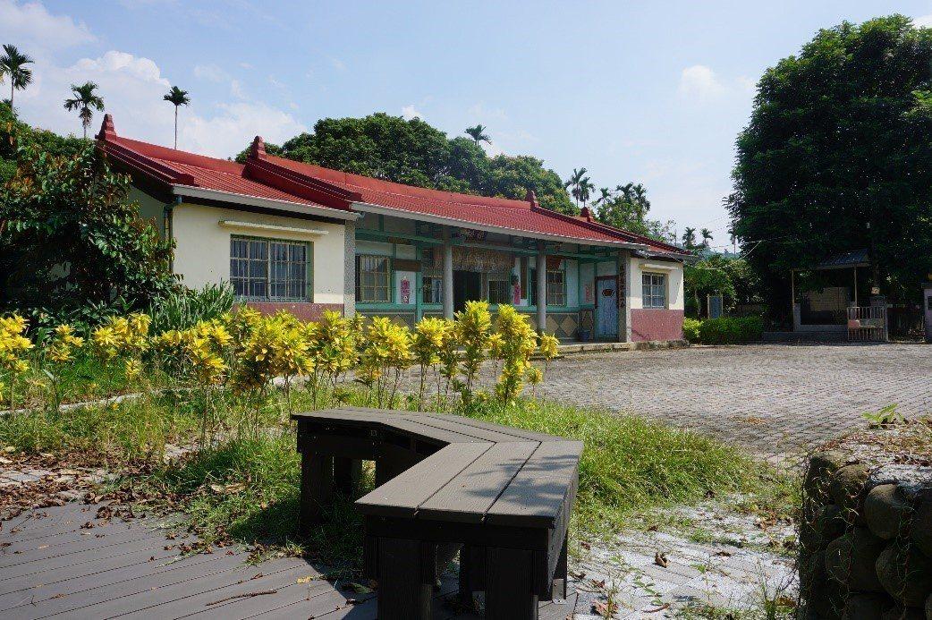 內埔村懷德堂的景觀綠美化及入口意象、廁所修繕。記者謝恩得/翻攝