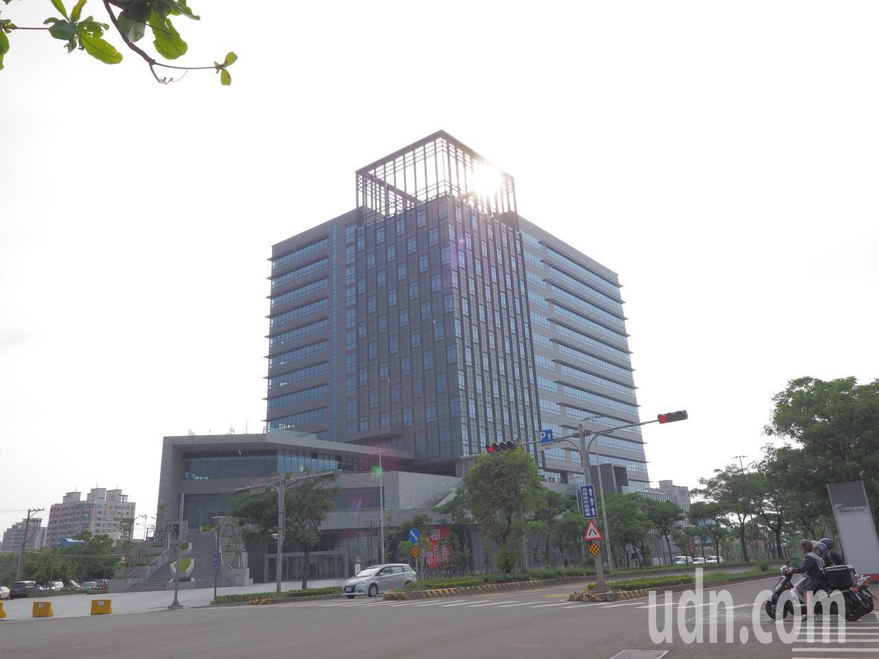 新竹公道五週邊發展蓬勃,嶄新商辦大樓林立。記者陳斯穎/攝影