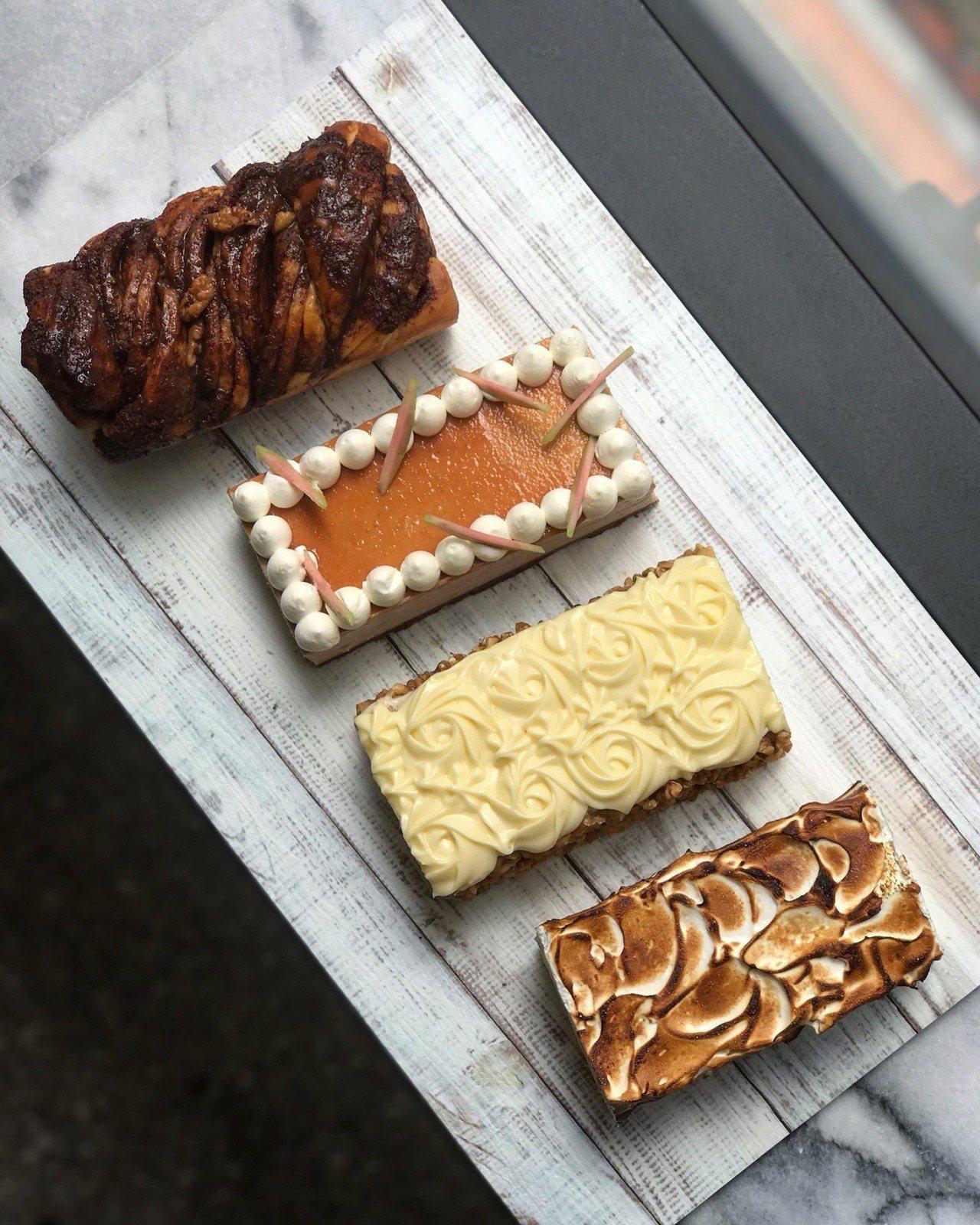 《秋日‧豐收市集》獨家口味南瓜紐約起司蛋糕、南瓜肉桂條。圖/麗晶精品提供
