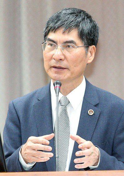 科技部長陳良基表示,將研擬論文代寫的相關懲處機制。記者陳正興/攝影