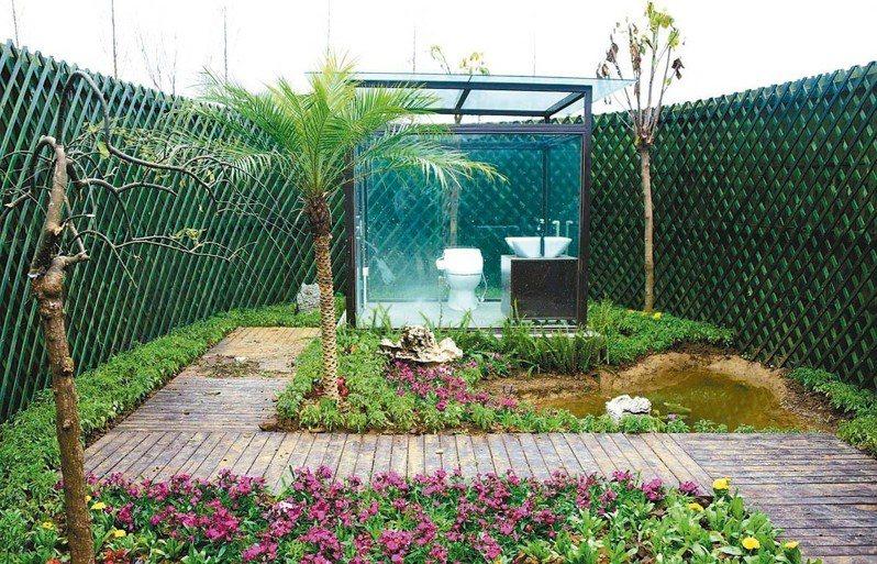 貴州安龍縣修建的生態公廁,體現融於自然、天人合一理念。(法新社)