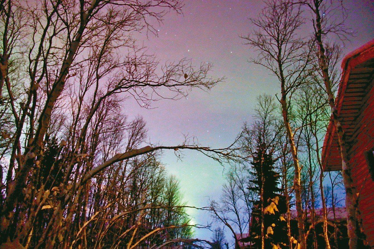 莫曼斯克位於北極圈內,擁有緯度最高的優勢,是追逐極光的熱門地點。 圖/陳志光、游...