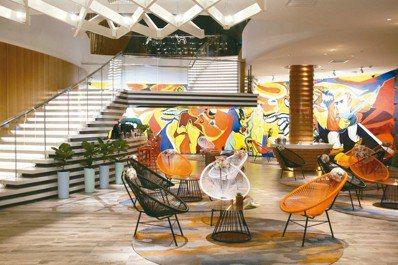 新潮、科技感十足的酒店大廳,點出金山嶺長城悅苑酒店的定位。 圖/陳志光