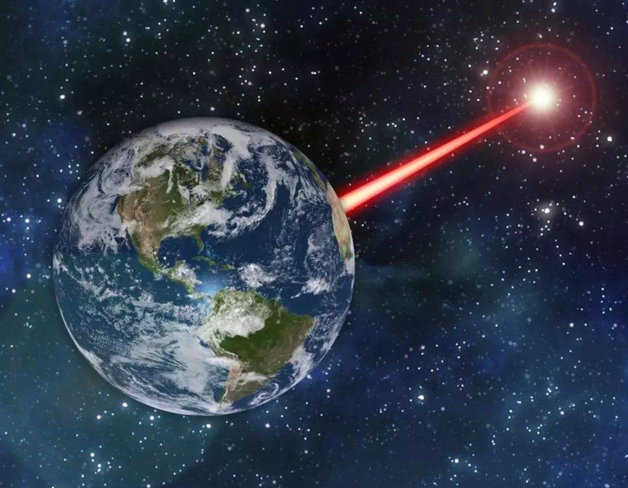 美國MIT研究,地球射放大激光可吸引外星人注意。聯合報系資料照