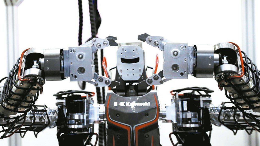 工研院今天盤點2030年亞洲十大關鍵前瞻技術,聚焦AI應用。圖為日本川崎工業的機...
