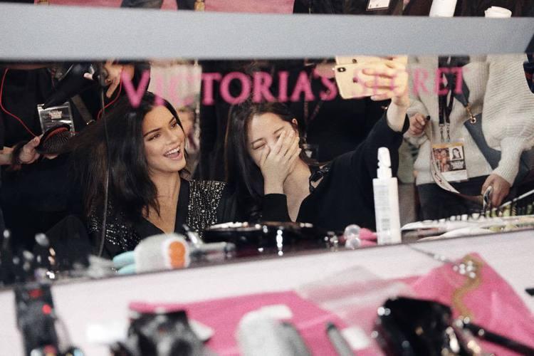 (左起)坎達爾珍娜、歐陽娜娜。圖/擷自instagram