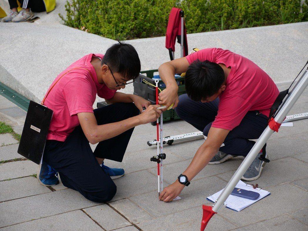 測繪比賽進行現場。 健行科大/提供。