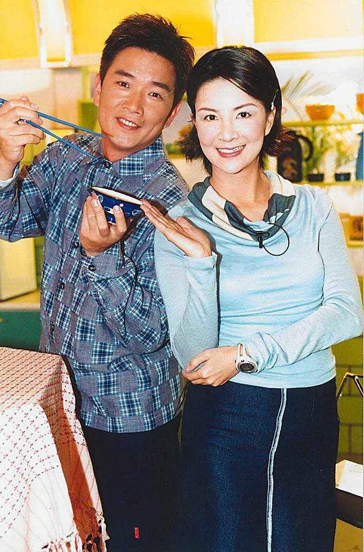 焦志方(左)、張淑娟主持東森綜合台「食全食美」,親和力十足。圖╱東森提供