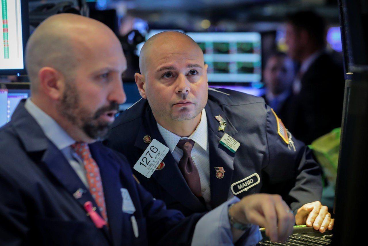 美股周四走低,能源股拖累標普500指數。 路透