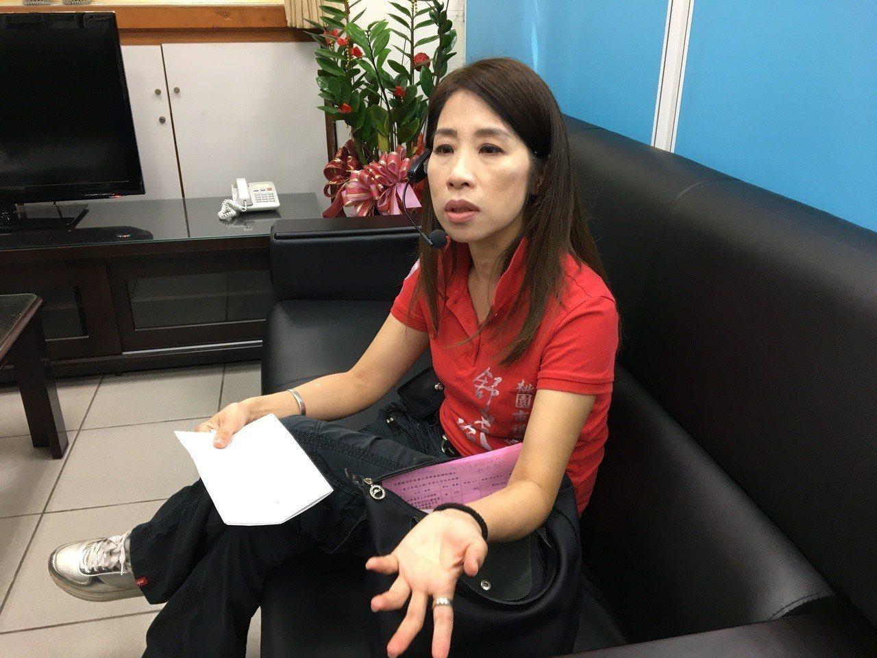 平鎮區議員舒翠玲咆哮公務員影片流出,她今天出面道歉,並說明前因後果。記者張裕珍/...