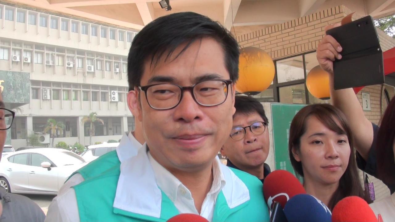 韓國瑜已宣布關閉小額捐款帳號,陳其邁今早被問到募款問題,他表示,選情非常緊繃,還...
