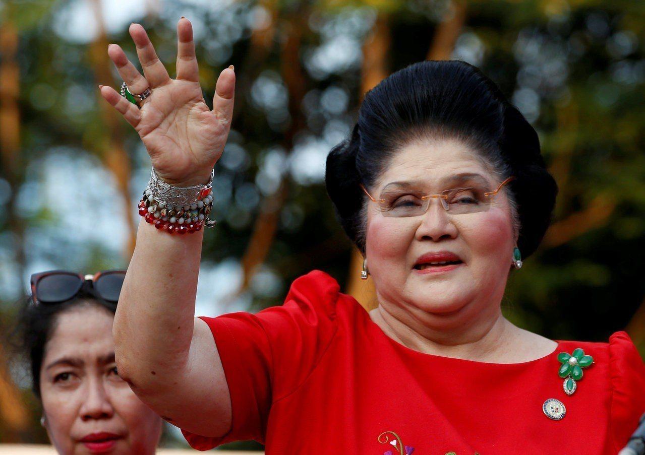 菲國法庭9日下令逮捕前第一夫人伊美黛。(路透)