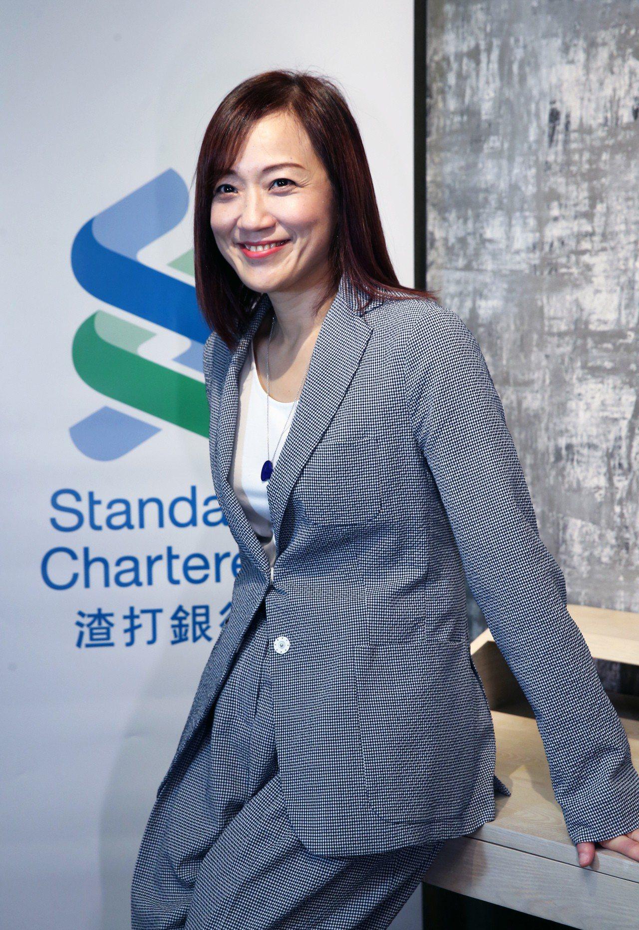 徐仲薇曾是發過20多張唱片的歌手,如今是渣打銀行東協暨南亞地區行政總裁,掌管該區...