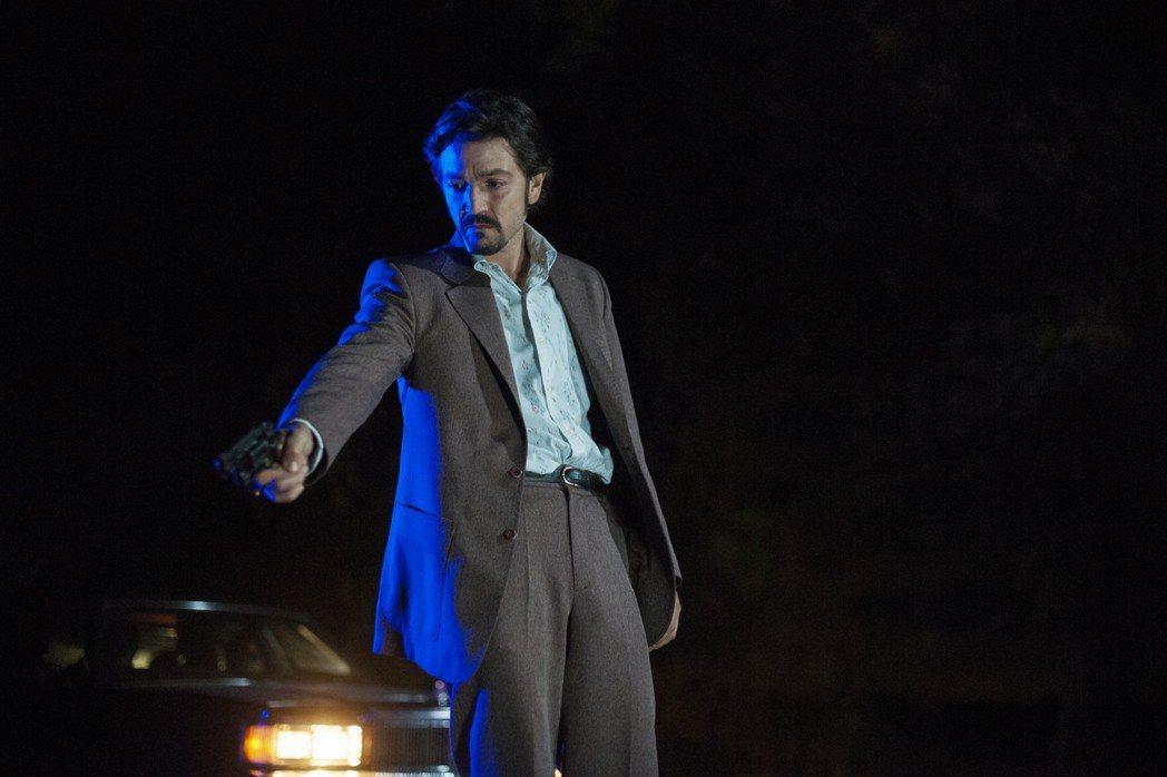 狄亞哥盧納在「毒梟:墨西哥」扮演凶狠殘暴的毒梟。圖/Netflix提供