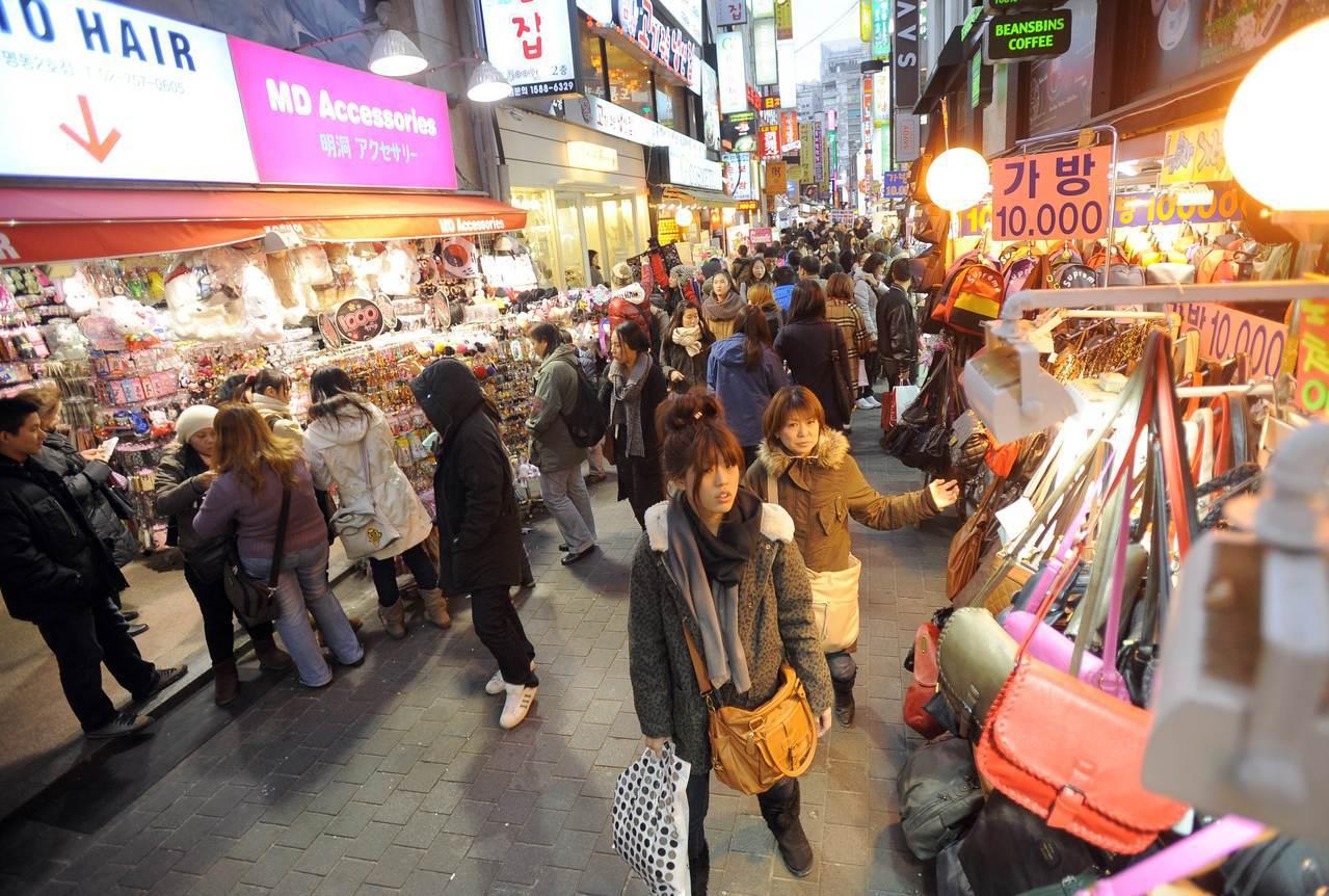 南韓9月零售銷售比去年增加0.5%。 法新社