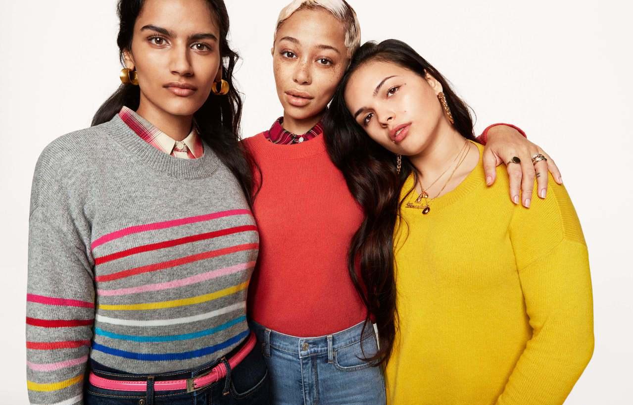 GAP在冬季推出全新Holiday假日系列,備有眾多繽紛鮮豔的毛衣及多功能的鋪棉...