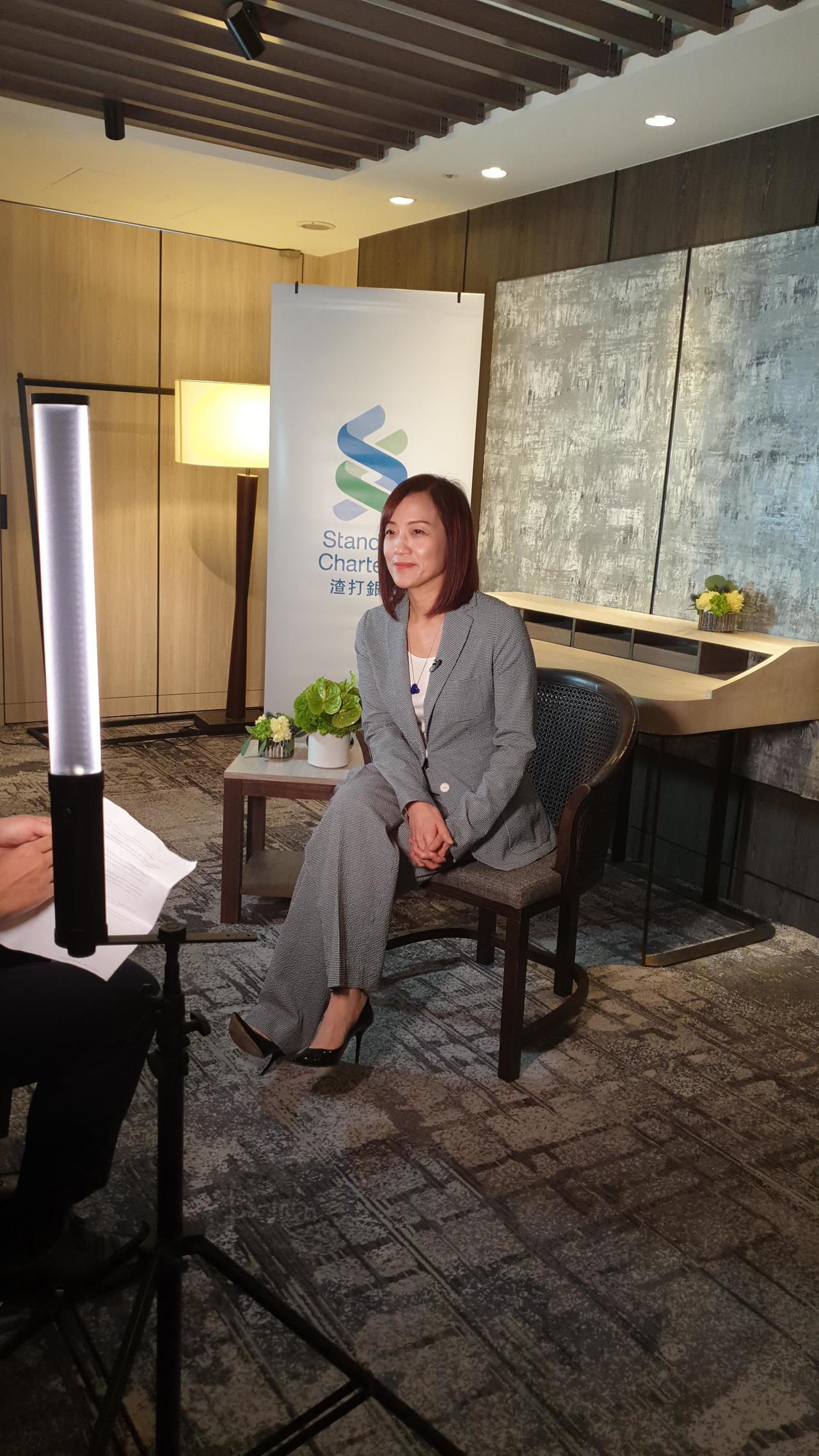 台灣有最美女總經理、現為新光金控副董事長李紀珠,外銀圈也出了一位最美東協暨南亞最...