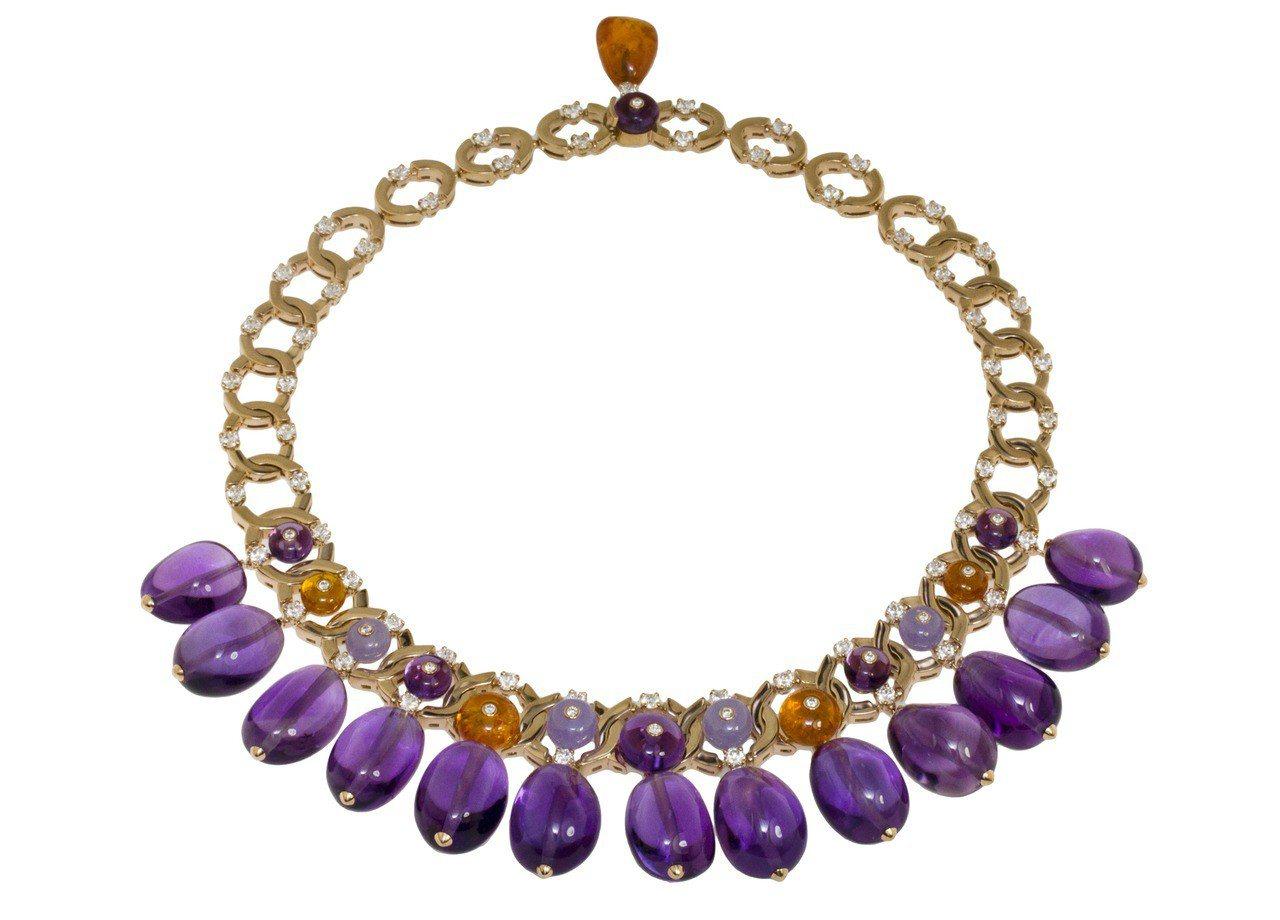 蔡依林配戴的BVLGARI 頂級彩寶項鍊,781萬元。圖/寶格麗提供