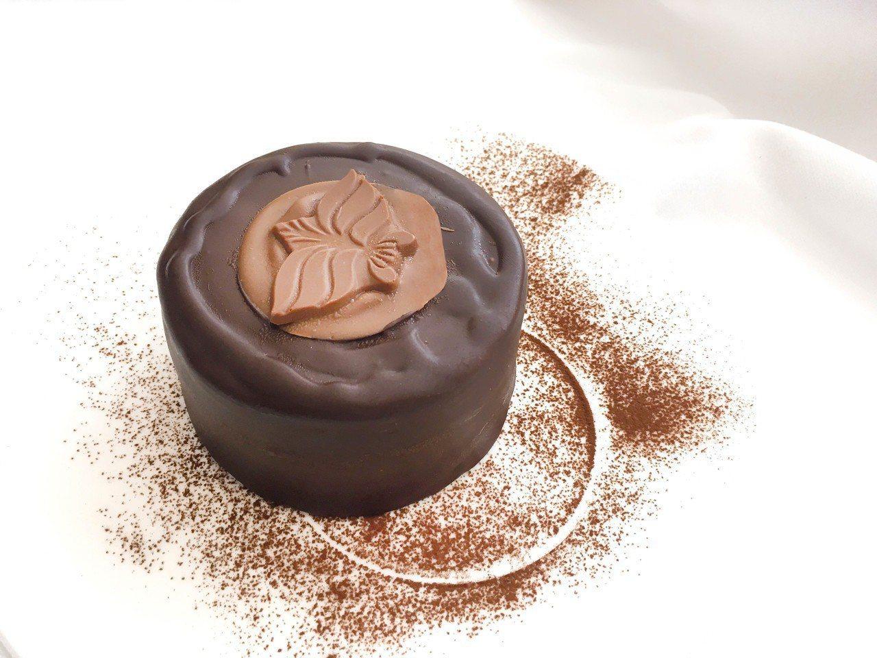 復興館午茶限定,14點至14點半kaffee Amadeus 4吋戴絲賓娜巧克力...