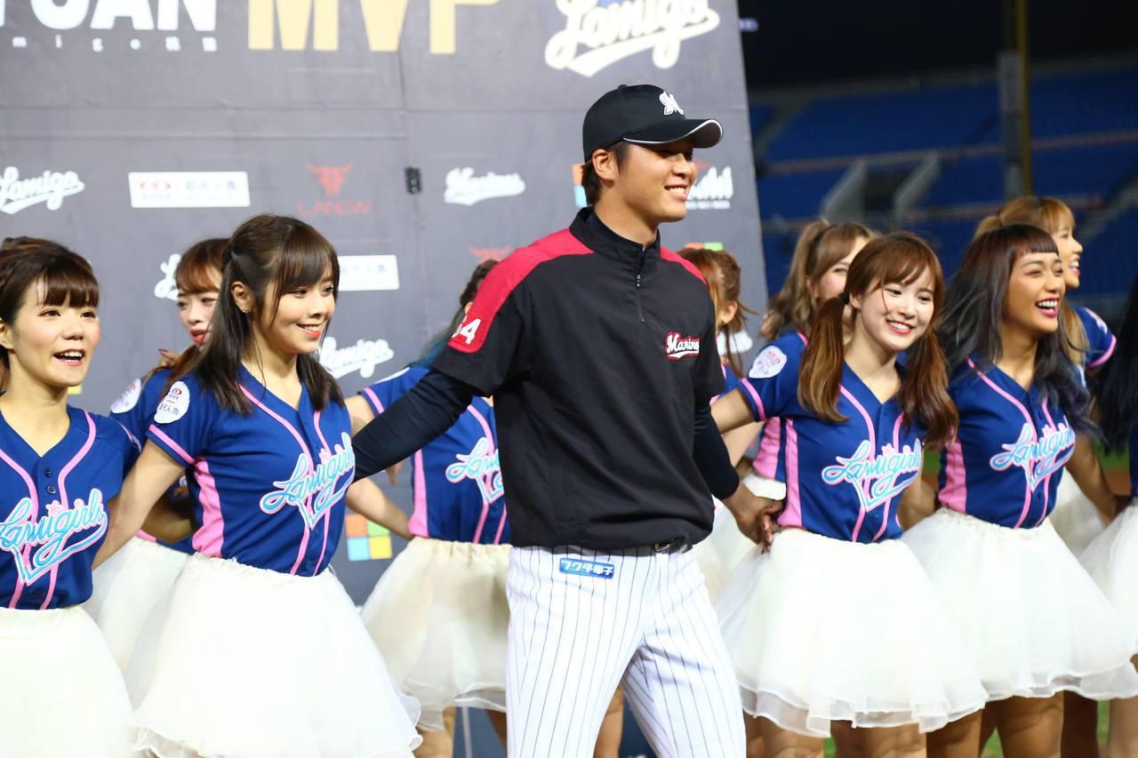 羅德隊先發投手二木康太獲選與猿隊交流賽的MVP。圖/猿隊提供